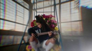 Apple Music TV Spot, 'Discover Jessie Reyez' - Thumbnail 7