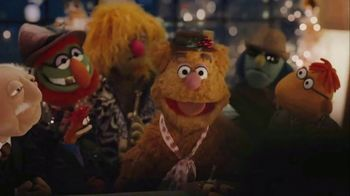 Portal from Facebook TV Spot, 'Songs About You' Featuring The Muppets - Thumbnail 8