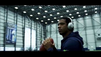 Bose TV Spot, 'Head Up' Feat. Carson Wentz, Russell Wilson & Patrick Mahomes - Thumbnail 5