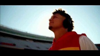 Bose TV Spot, 'Head Up' Feat. Carson Wentz, Russell Wilson & Patrick Mahomes - Thumbnail 7