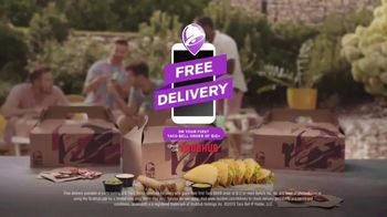 Taco Bell Rolled Chicken Tacos Party Packs TV Spot, 'Pool Party' - Thumbnail 7