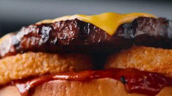 Carl's Jr. Beyond BBQ Cheeseburger TV Spot, 'The Game' - Thumbnail 3