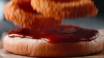 Carl's Jr. Beyond BBQ Cheeseburger TV Spot, 'The Game' - Thumbnail 4