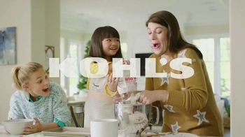 Kohl's Friends + Family Sale TV Spot, 'Outerwear, Sweaters and Throws' - Thumbnail 1