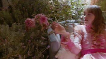Gucci Bloom TV Spot, 'Florecer' con Dakota Johnson, canción de Portishead [Spanish]