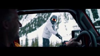 Jeep Gladiator TV Spot, 'Seats: Snow' Song by Zayde Wolf [T1] - Thumbnail 5