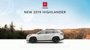 2019 Toyota Highlander TV Spot, 'Dear Pups' [T1] - Thumbnail 6