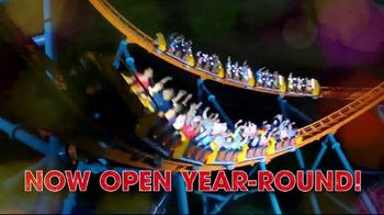 Six Flags Holiday in the Park TV Spot, 'Millions of Lights' - Thumbnail 7