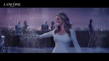 Lancôme La Vie Est Belle TV Spot, 'Shine Bright: Holiday Beauty Box' Featuring Julia Roberts - Thumbnail 5