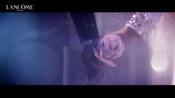 Lancôme La Vie Est Belle TV Spot, 'Shine Bright: Holiday Beauty Box' Featuring Julia Roberts - Thumbnail 6