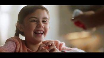 Kinder Joy TV Spot, 'Sorpresas' canción de Brenton Wood [Spanish] - Thumbnail 6