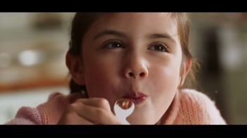 Kinder Joy TV Spot, 'Sorpresas' canción de Brenton Wood [Spanish] - Thumbnail 7