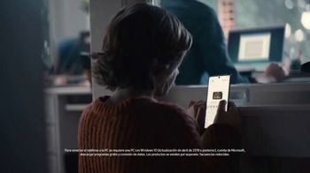 Samsung Galaxy TV Spot, 'Conecta tu Galaxy estas fiestas' [Spanish] - Thumbnail 4