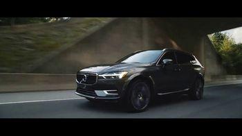 2019 Volvo XC60 TV Spot, 'Jogger' [T2] - Thumbnail 4