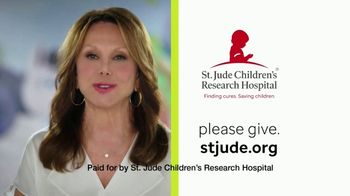 St. Jude Children's Research Hospital TV Spot, 'Julian' Featuring Sofia Vergara - Thumbnail 8