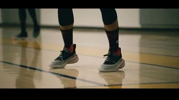 Curry 7 TV Spot, 'Dog Mentality' Featuring Stephen Curry - Thumbnail 9