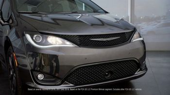 Chrysler Black Friday Sales Event TV Spot, 'Van Family With Employee Pricing' [T2] - Thumbnail 2