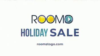 Rooms to Go Holiday Sale TV Spot, 'Right Now: Cindy Crawford Sectionals' - Thumbnail 8