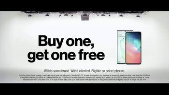 Verizon TV Spot, 'French Family: Buy One, Get One Free' - Thumbnail 7