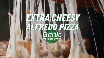 Papa John's Extra Cheesy Alfredo Pizza on Garlic Parmesan Crust TV Spot, 'On'