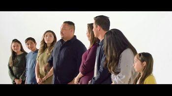Verizon TV Spot, 'Aceves Family: iPhone 11 on Us' - Thumbnail 2