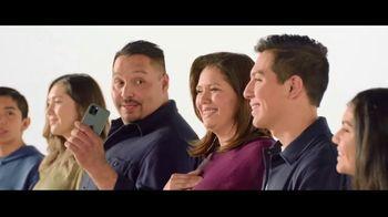 Verizon TV Spot, 'Aceves Family: iPhone 11 on Us' - Thumbnail 7