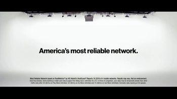 Verizon TV Spot, 'Aceves Family: iPhone 11 on Us' - Thumbnail 8