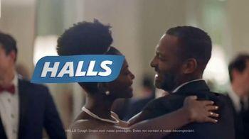 Halls TV Spot, 'Never Miss a Moment: Wedding Day' - Thumbnail 10