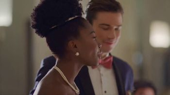 Halls TV Spot, 'Never Miss a Moment: Wedding Day'