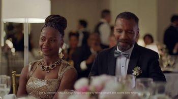 Halls TV Spot, 'Never Miss a Moment: Wedding Day' - Thumbnail 4