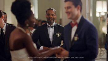 Halls TV Spot, 'Never Miss a Moment: Wedding Day' - Thumbnail 9