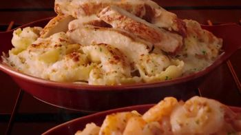 Olive Garden Oven Baked Pastas TV Spot, 'Delicious New Year' - Thumbnail 5
