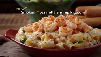 Olive Garden Oven Baked Pastas TV Spot, 'Delicious New Year' - Thumbnail 6