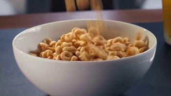 Honey Nut Cheerios TV Spot, 'Buzz's Big News: Happy Hearts' - Thumbnail 1