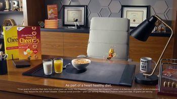 Honey Nut Cheerios TV Spot, 'Buzz's Big News: Happy Hearts' - Thumbnail 5