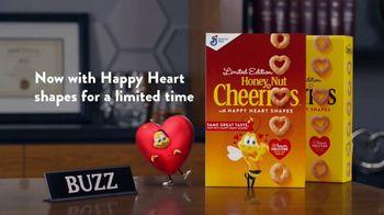 Honey Nut Cheerios TV Spot, 'Buzz's Big News: Happy Hearts' - Thumbnail 8