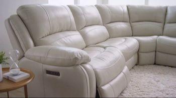 Bob's Discount Furniture Titan Six Piece Sectional TV Spot, 'Serious Binge Watching' - Thumbnail 3