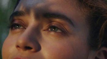 Burt's Bees Renewal Skincare TV Spot, 'Renewal' - Thumbnail 5