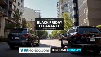 Volkswagen Black Friday Clearance TV Spot, 'Holiday Shopping Season' [T2] - Thumbnail 5