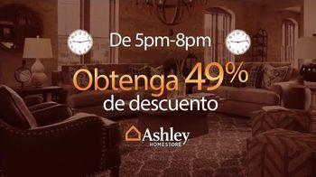 Ashley HomeStore Venta Gánale al Reloj TV Spot, 'Compre más temprano' [Spanish] - Thumbnail 5