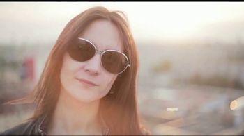 Pearle Vision TV Spot, 'Sunburn' - Thumbnail 3