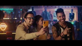 Sprint TV Spot, 'Roadside Bar: LG G8X ThinQ + TV gratis' [Spanish] - Thumbnail 5