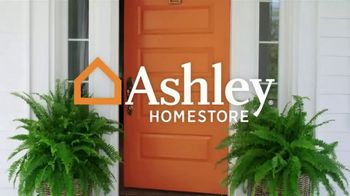 Ashley HomeStore Black Friday Sale TV Spot, 'Held Over: Zero Interest and Extra $100 Off' - Thumbnail 1