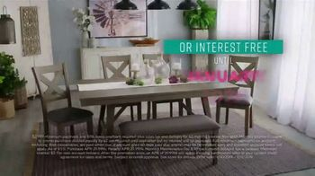 Ashley HomeStore Black Friday Sale TV Spot, 'Held Over: Zero Interest and Extra $100 Off' - Thumbnail 6