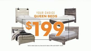 Ashley HomeStore Black Friday TV Spot, 'Doorbuster Deals: Queen Beds & Recliners' - Thumbnail 5
