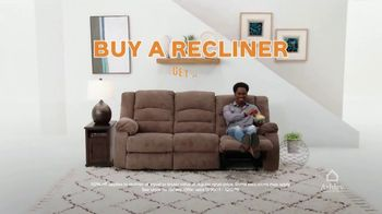 Ashley HomeStore Black Friday TV Spot, 'Doorbuster Deals: Queen Beds & Recliners' - Thumbnail 6