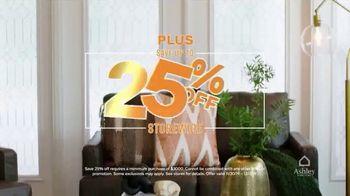 Ashley HomeStore Black Friday TV Spot, 'Doorbuster Deals: Queen Beds & Recliners' - Thumbnail 8