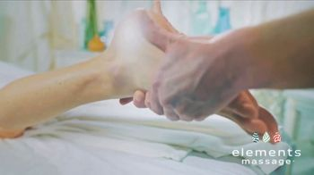Elements Massage TV Spot, 'Holiday Gift Card' - Thumbnail 6