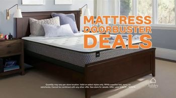 Ashley HomeStore Black Friday Mattress Sale TV Spot, 'Buy One, Get One Free' - Thumbnail 3