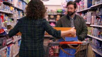 Walmart TV Spot, 'Holidays: Everyone's Happy: Frozen Vanity' Song by Wilson Phillips - Thumbnail 9